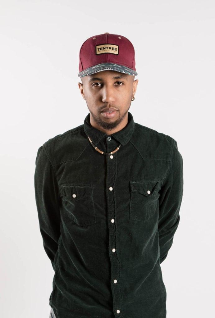 fashion blog montreali photoshoot green hat
