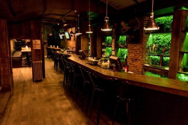 saint-moose pub in quartier latin, quartier latin montreal, montreal pub, montreal bar, montreal clubs