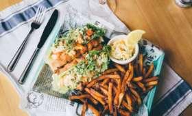 shack du pêcheur boucherville, seafood restaurant