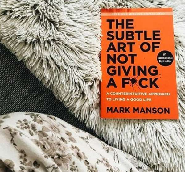 the subtle art of not giving a f**ck, books to read, self improvement, gifts ideas, Chrsitmas spirit